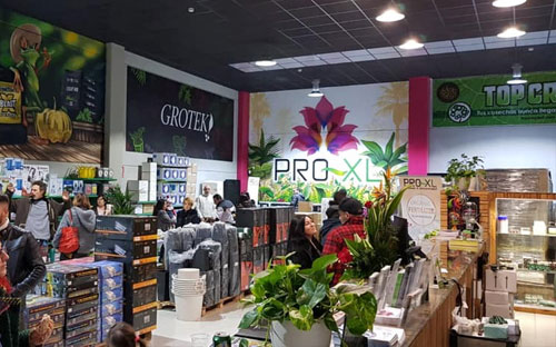 Instalaciones interiores del Grow Shop fisico Ecomaria en Torrent, Valencia